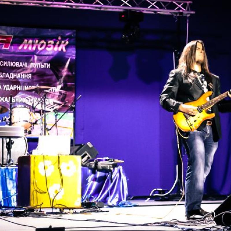 //www globalrockstar com/artists/missycage weekly 1 2014-10-28T04